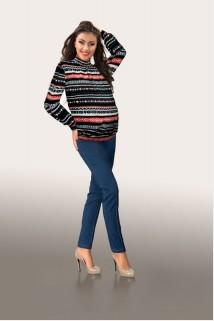 Black & red pattern neck sweater